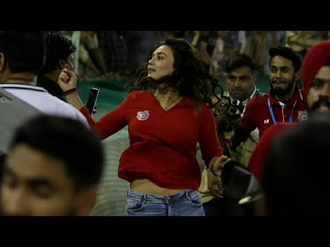 KXIP VS SHR IPL 2018 : Preity Zinta Cannot Control Emotion Doing This In Field After Win thumbnail
