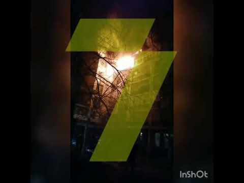 Новости 7 канал Одесса: ЧП на Таирова: пожарные с ночи не могут потушить горящий дом