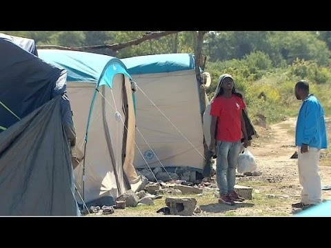 CNN goes inside migrant camp known as 'The Jungle'