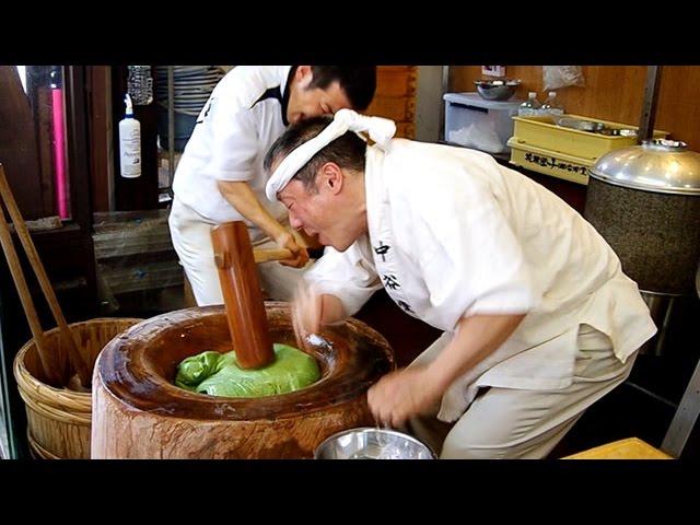 奈良の高速餅つき、被災熊本で披露