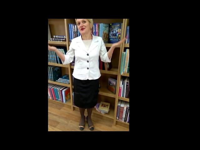 Изображение предпросмотра прочтения – ТатьянаКривошей читает произведение «Послушайте! (Послушайте! Ведь, если звезды зажигают…)» В.В.Маяковского