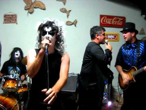 Rock And Roll All Night - Niver Valéria Mp3