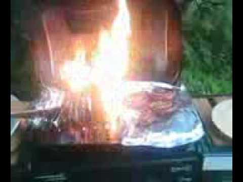 Weber Elektrogrill Fängt Feuer : Der grill brennt hilfe !!!! youtube