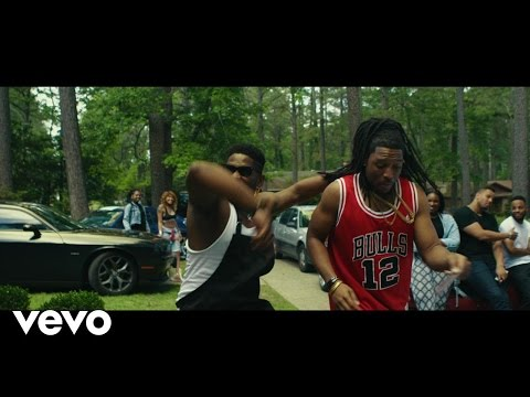 Aha Gazelle - Momma House (feat. MC Fiji)