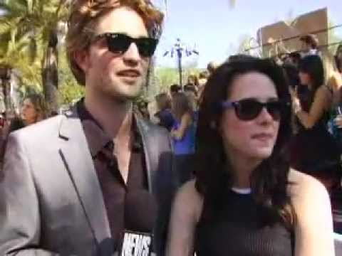 Robert Pattinson & Kristen Stewart SPOTTED Hanging Out Together from YouTube · Duration:  2 minutes 40 seconds