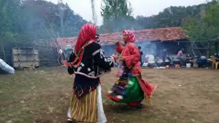 Balıkesir Dursunbey Ericek Köyü Yöresel kıyafetlerle kaşık oyunu