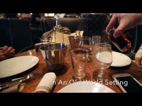 Oak Long Bar and Kitchen || Fairmount Copley Plaza