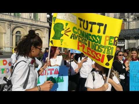 Protesta studenti alberghiero catania