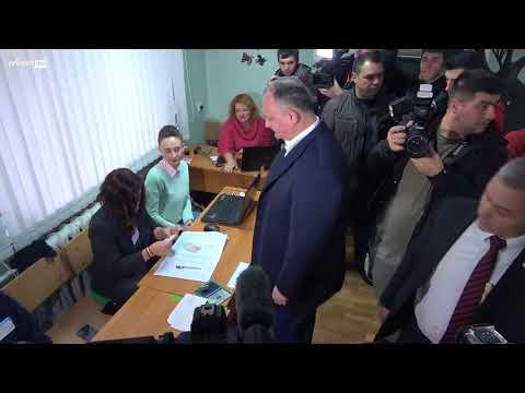 Igor Dodon cere un buletin de vot în limba moldoveneasca