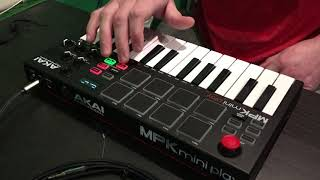Akai MPK Mini Play Live Loop