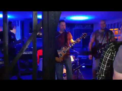 "MISCHIEF - ""Walk Like an Egyptian"" at The Anchor, Canewdon"