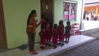 Download Video iwayan agasthya sudistra. playgroup dikelas PG _ TK wipara tuban MP3 3GP MP4