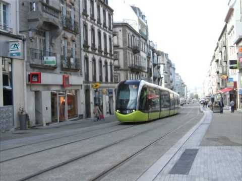Rame Citadis n°1017 quitte la station St Martin (Brest)