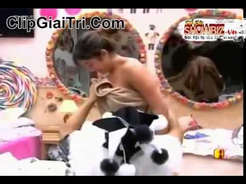 Lộ Hàng khi thay quần áo trong show Big Brother Brasil