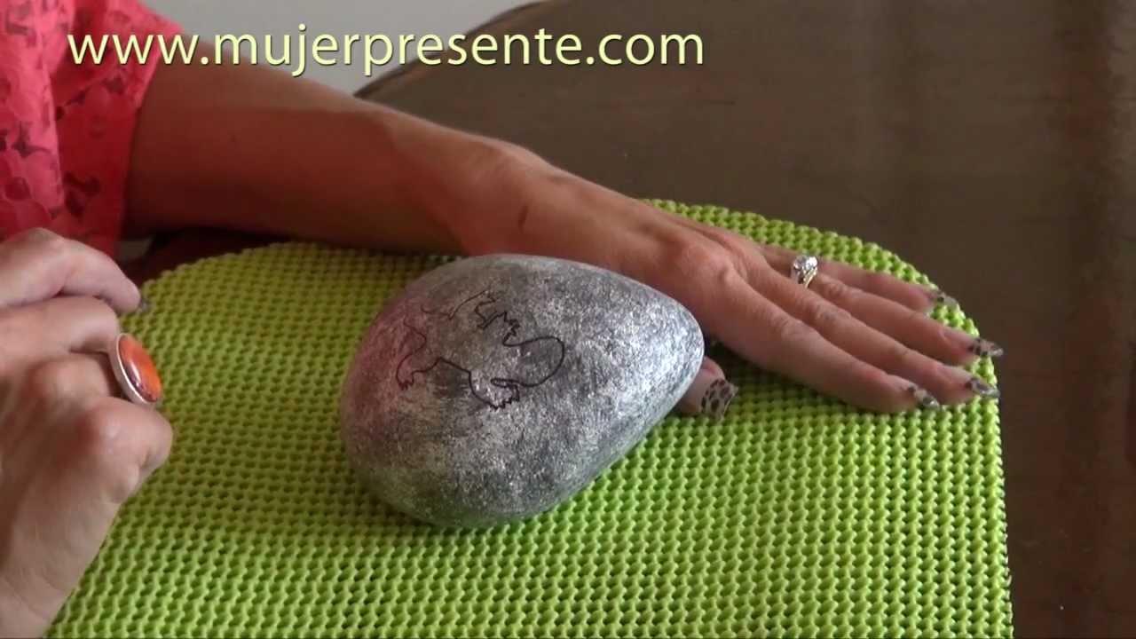 Manualidades con beatriz guajardo piedras decoradas para for Manualidades para jardin