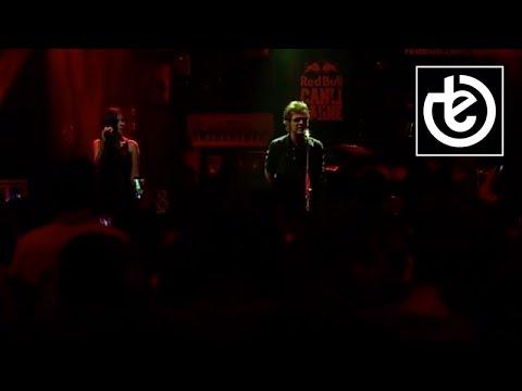 teoman - bana öyle bakma / red bull canlı sahne konseri