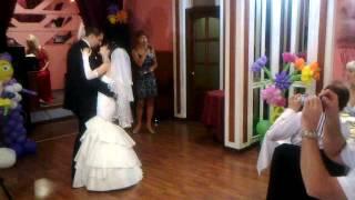 Первый свадебный танец. Песня в живую для молодоженов