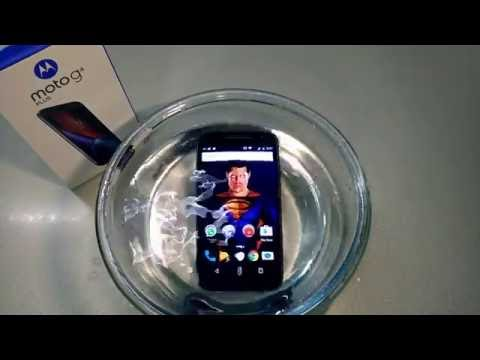 Moto G4 Plus Full Water Test Submerging Into The Water | Do Not Put Your Phone Into Water