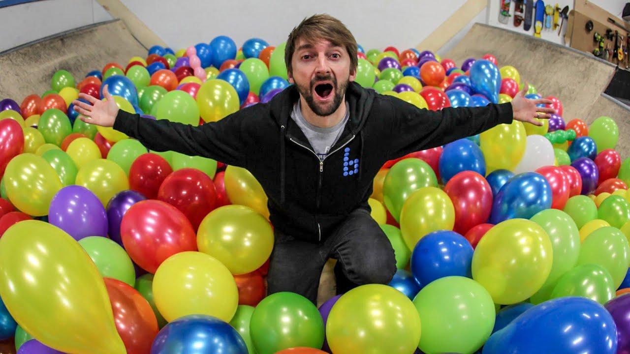 1000 Balloons VS Skateboard