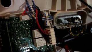 Стиралка Аристон крутанёт 3 раза барабан и останавливается   Ремонт электр  модуля