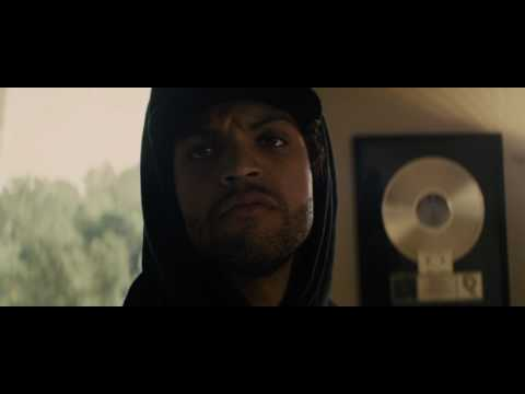 Straight Outta Compton 2015 -  Ice Cube Trashes Priority Records