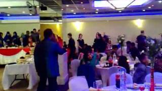 www.onemanshowuk.com Jawahar Sait singing Song from Pehli Nazar Mein Race - Live Indian Band.flv