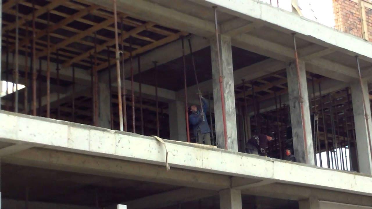 Șantier periculos la Piața centrală, Chișinău