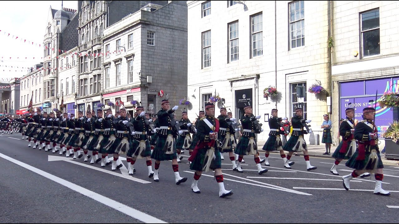 Download The Highlanders Royal Regiment of Scotland homecoming parade through Aberdeen Sept 2017 - 4K