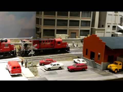 MODEL TRAINS  HO Scale CP Rail Freight on Club layout in Montreal