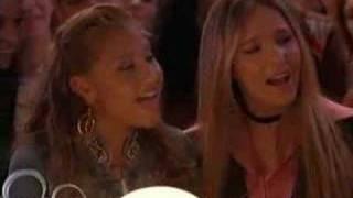 a la nanita nana-the cheetah girls 2