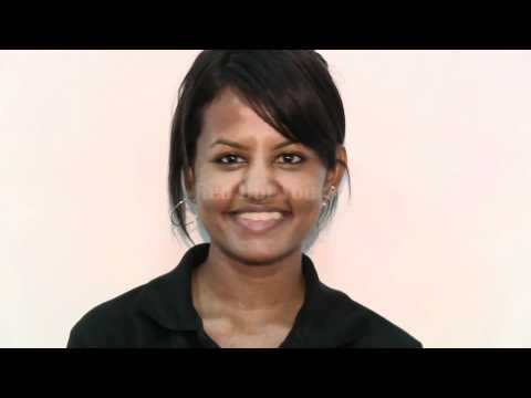 Sri Lanka guide | Learn the Sri Lankan head waggle