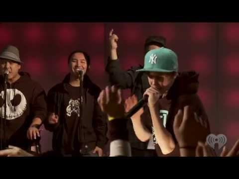 "Justin Bieber ""Eenie Meenie"" with Sean Kingston Live 
