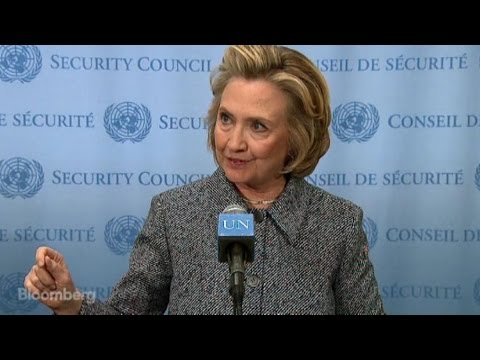Hillary Clinton's Private E-Mail Defense in Two Minutes