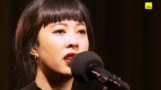 """FM4 Acoustic Session: The Naked and Famous, """"Higher"""""""