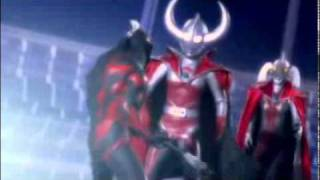 Ultraman Saturn vs Belial.