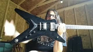 differences between the ml shaped and star shaped guitar bodystyles!