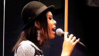 エリアンナYouTube第一弾は、あの名曲のカバー。 ゲストボーカルに実力...