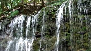 箱根 小涌谷に有る「千条の滝」です。