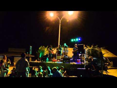 Une soirée que j'ai vécu avec le groupe PEPENA sur le quai de Hakahau avec la Présence de l'Aranui
