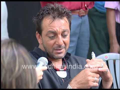 Download Sanjay Dutt on the set of film 'Deewar: Let's Bring Our Heroes Home'