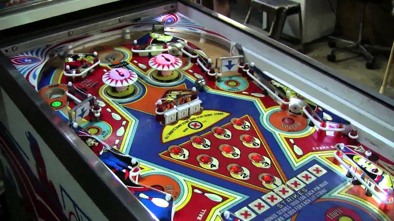 360 Stern Memory Lane Pinball Machine With Old Fashioned