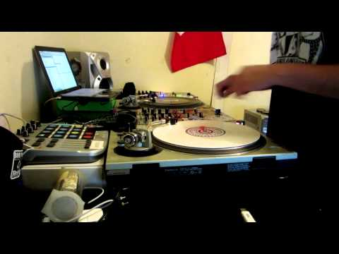 DJ ZERO FREESTYLE SCRATCH 2 HANDS