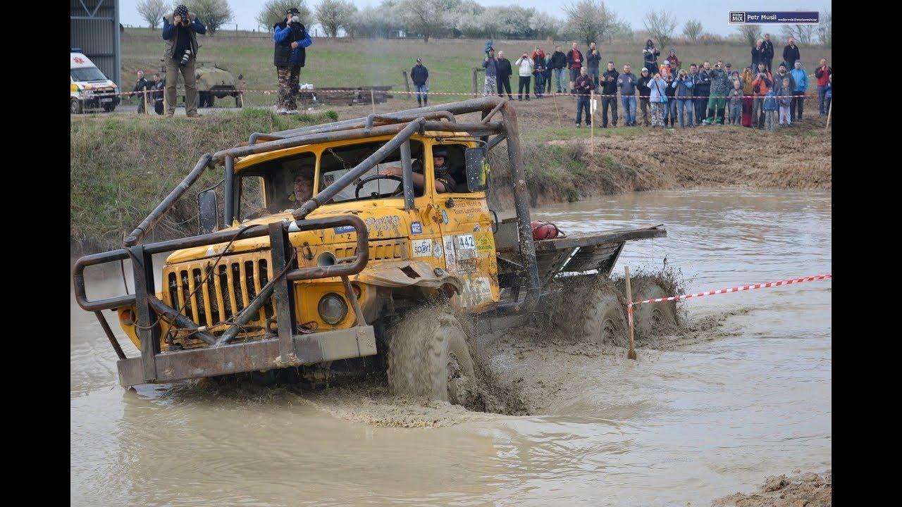 Гонки на грузовиках по грязи онлайн бесплатно стратегии онлайн построй город