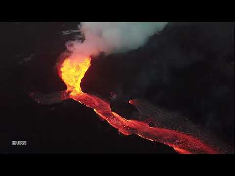 Boaters Get Up Close To Stromboli Volcano Eruption Abc News Youtube
