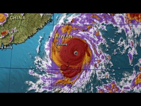 Typhoon Nepartak slams into Taiwan