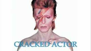 Watch David Bowie Cracked Actor video