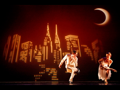 De Dutch Don't Dance Division 2016 Ballet Blanc 'Moon over Manhattan'