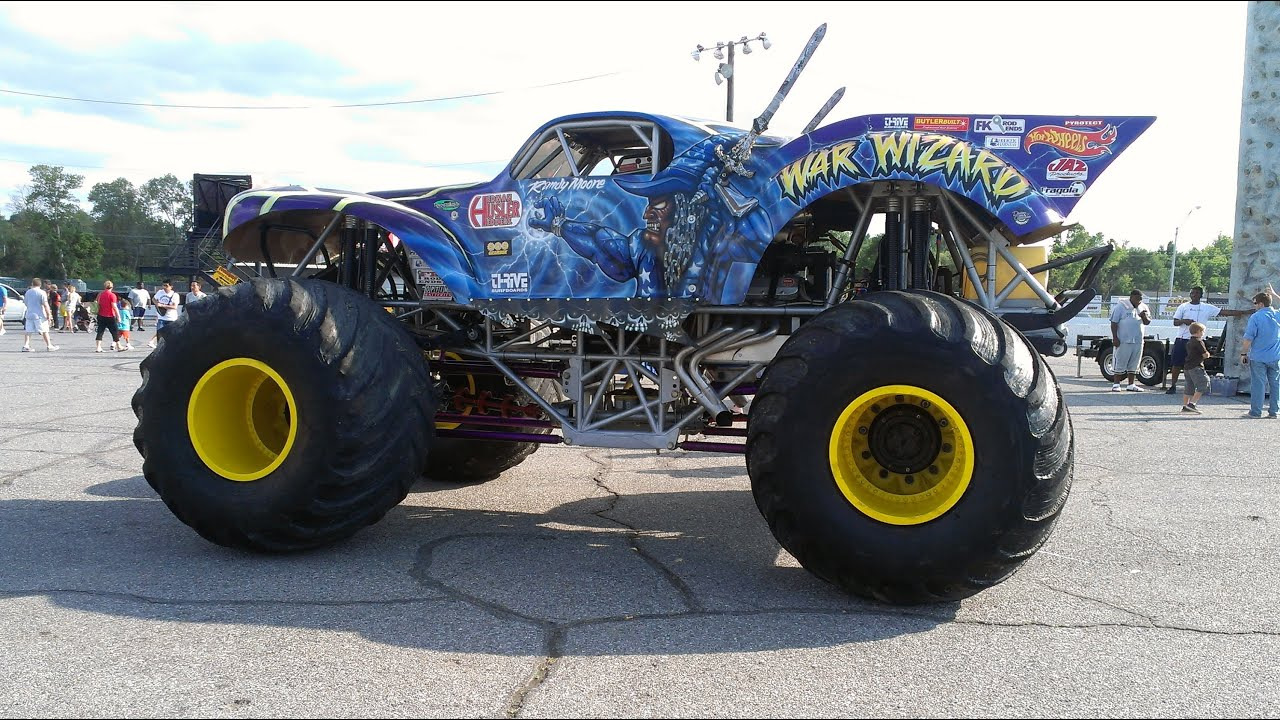 Memphis International Raceway >> Crazy Monster Truck Racing. Memphis raceway WOW!!! - YouTube