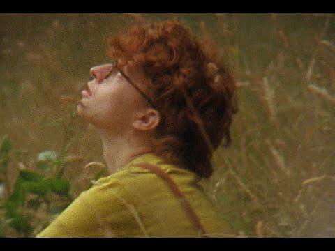 Смотреть клип Cavetown Ft. Tessa Violet - Smoke Signals