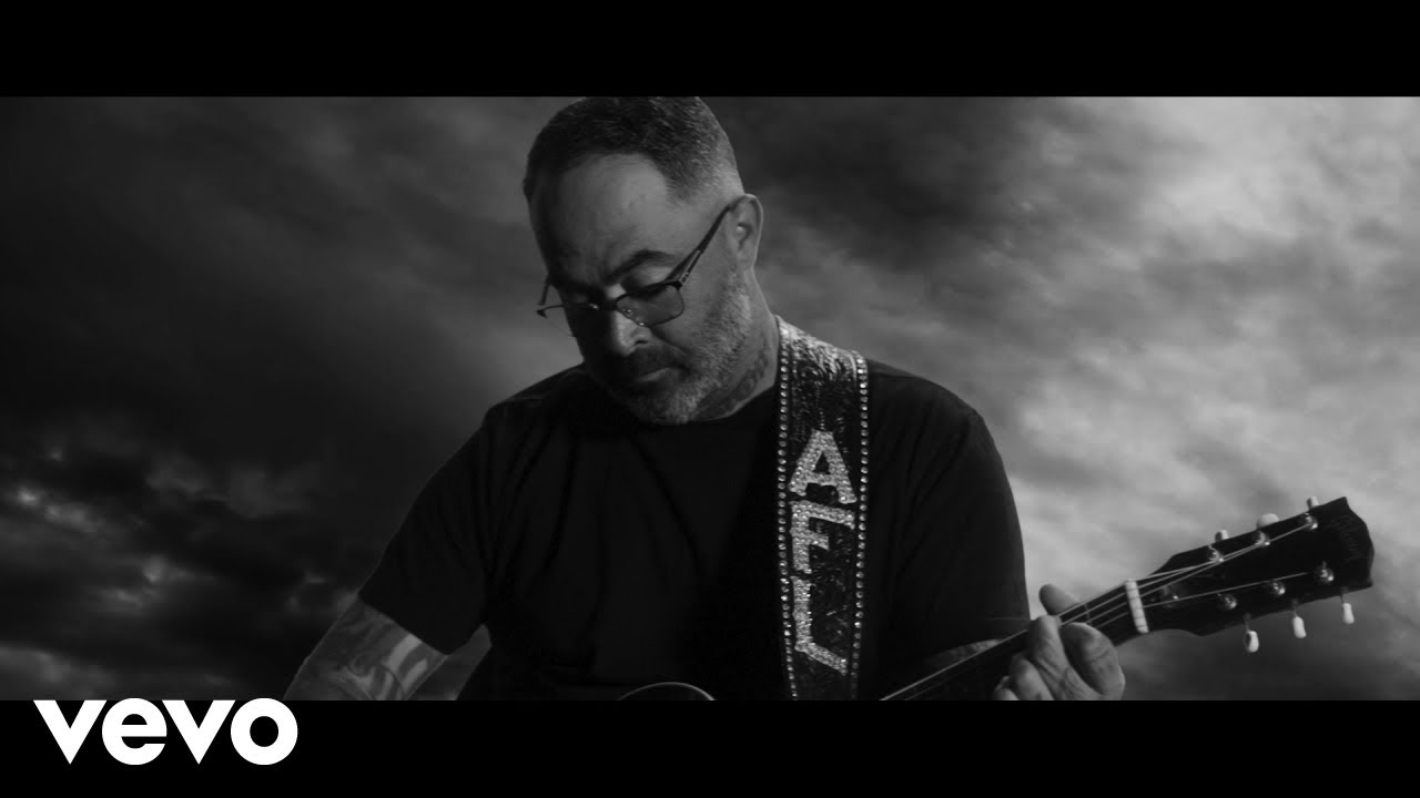 Download Aaron Lewis - Am I The Only One (Official Music Video)